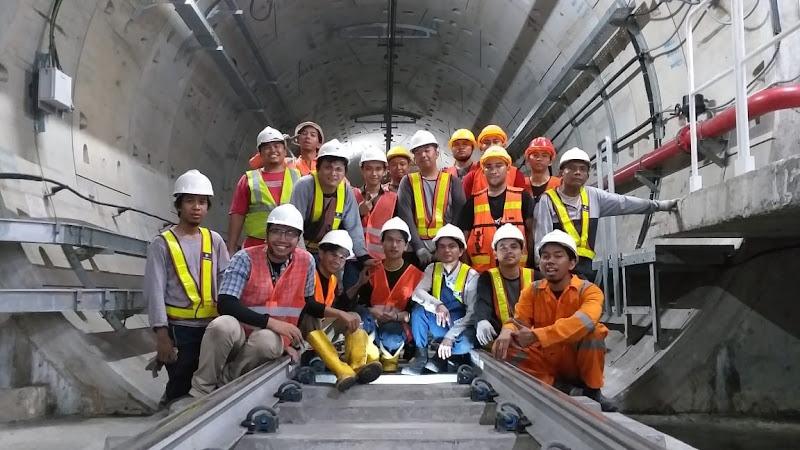 Instalasi Realtime Monitoring di Stasiun MRT Jakarta