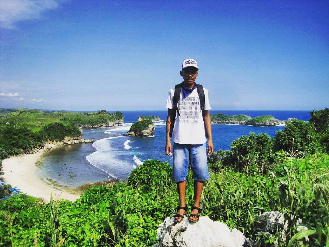 Pantai Peh Pulo Blitar Raja Ampatnya Jawa Timur Medianews