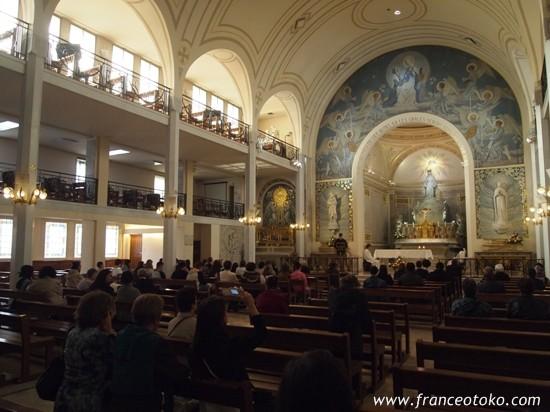 パリ6区・奇跡のメダイの教会
