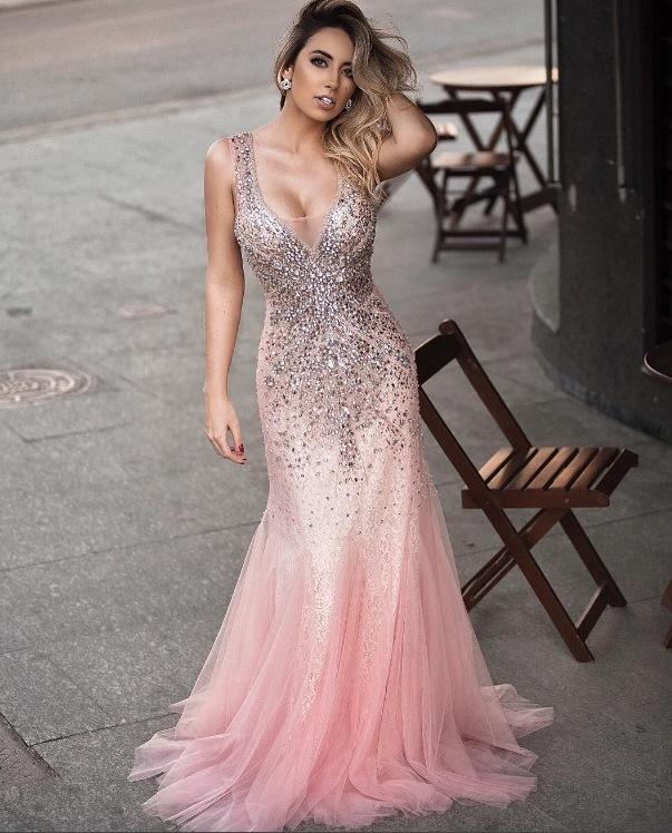 vestido de festa rosa com bordado