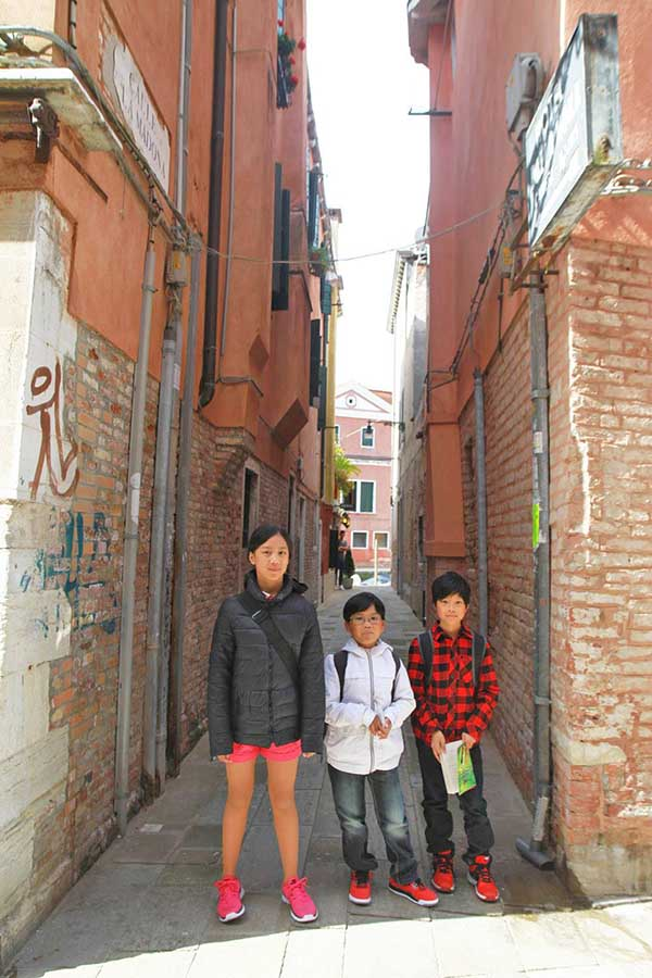 How To Best Pack For Your Family City Break: 7 Tips