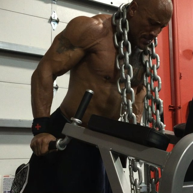 "Dwayne ""The Rock"" Johnson Move the chains"