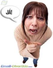 mãe ralhar zangada gritar mamã pais castigo divertido email