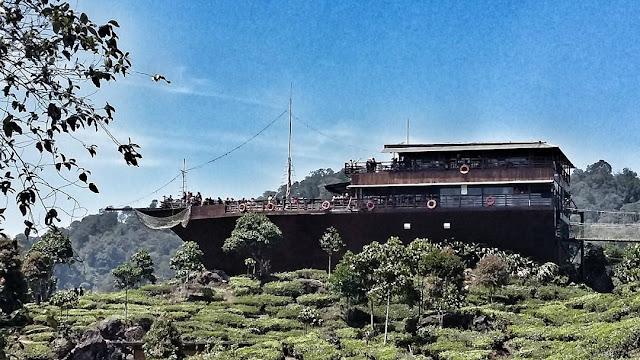 Pinisi Resto Dan Glamping Lakeside Rancabali Tempat  Hits Bandung
