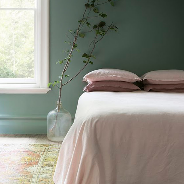 green and pink hues in the bedroom