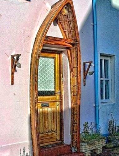 Boat Arch Door