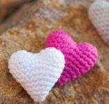 http://translate.google.es/translate?hl=es&sl=nl&tl=es&u=http%3A%2F%2Fribbelmonster.com%2Famigurumi-crochet-heart-sweet-heart