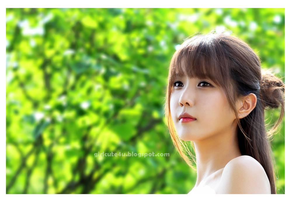 Heo Yun Mi - Outdoors in a Strapless Dress ~ Cute Girl