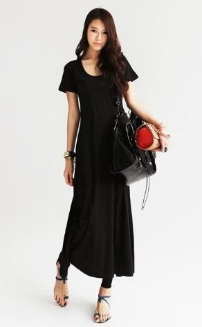 4.Creating Gracious Style With Casual Dress Black