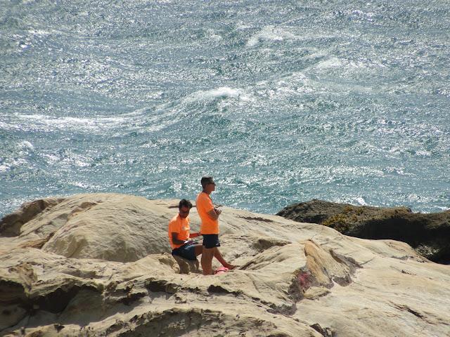 Socorristas en la playa de Zahara de los Atunes