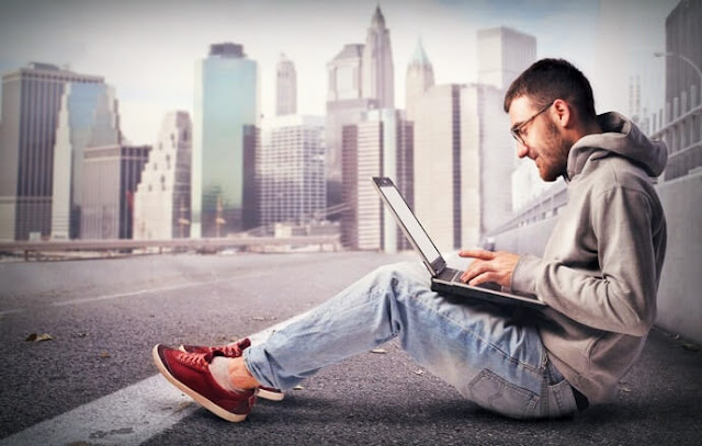ربح-المال-من-الإنترنت-عبر-العمل-الحر