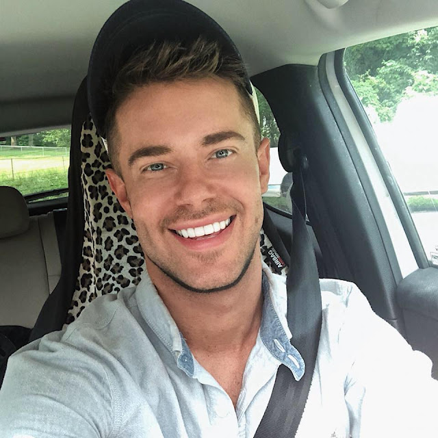 Chris Crocker net worth, age, boyfriend, birthday, gay, leave britney alone, britney spears, now, videos, songs, music, aaron carter, youtube, tumblr