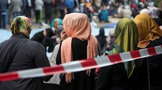 Pekerja Muslimah yang Dipecat karena Berjilbab Menang di Pengadilan Swiss