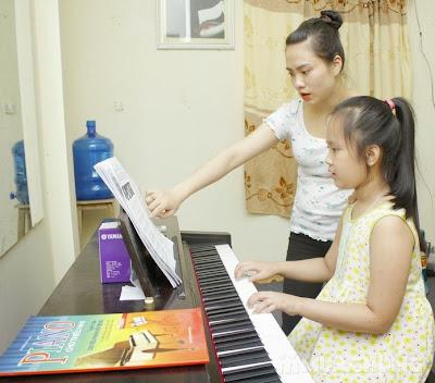 Giáo viên dạy kèm Piano tại nhà cho bé