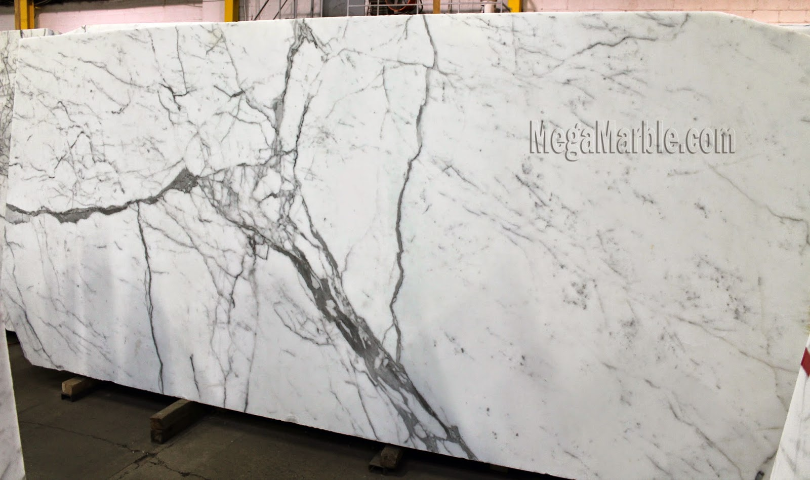 Statuary Extra Natural Stone Marble Slabs 2'' in New York