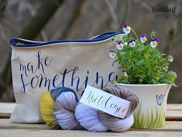 Yarn, flowers and purse
