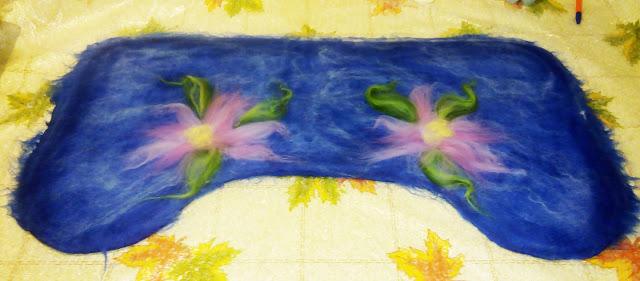 полуваленки - пимы, фото процесса, МК (украшение - цветы)