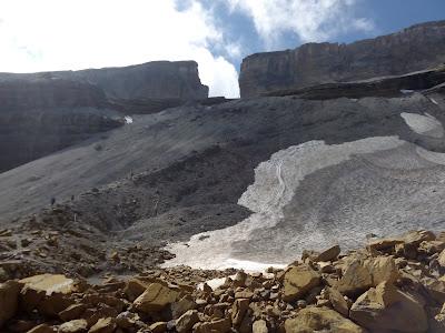 brecha-de-rolando-pirineos-refugio-sarradets-taillon