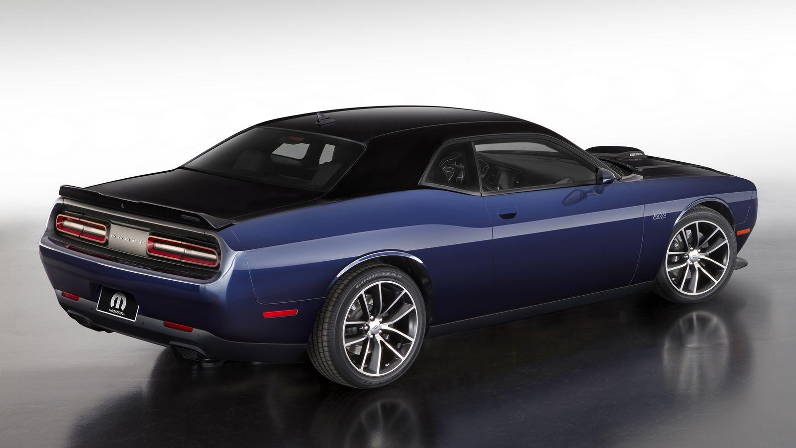 2014 - [Dodge] Challenger SRT - Page 3 2017%2BMopar%2BDodge%2BChallenger%2B-1