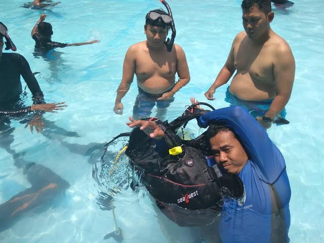 Cara memakai peralatan diving yang baik