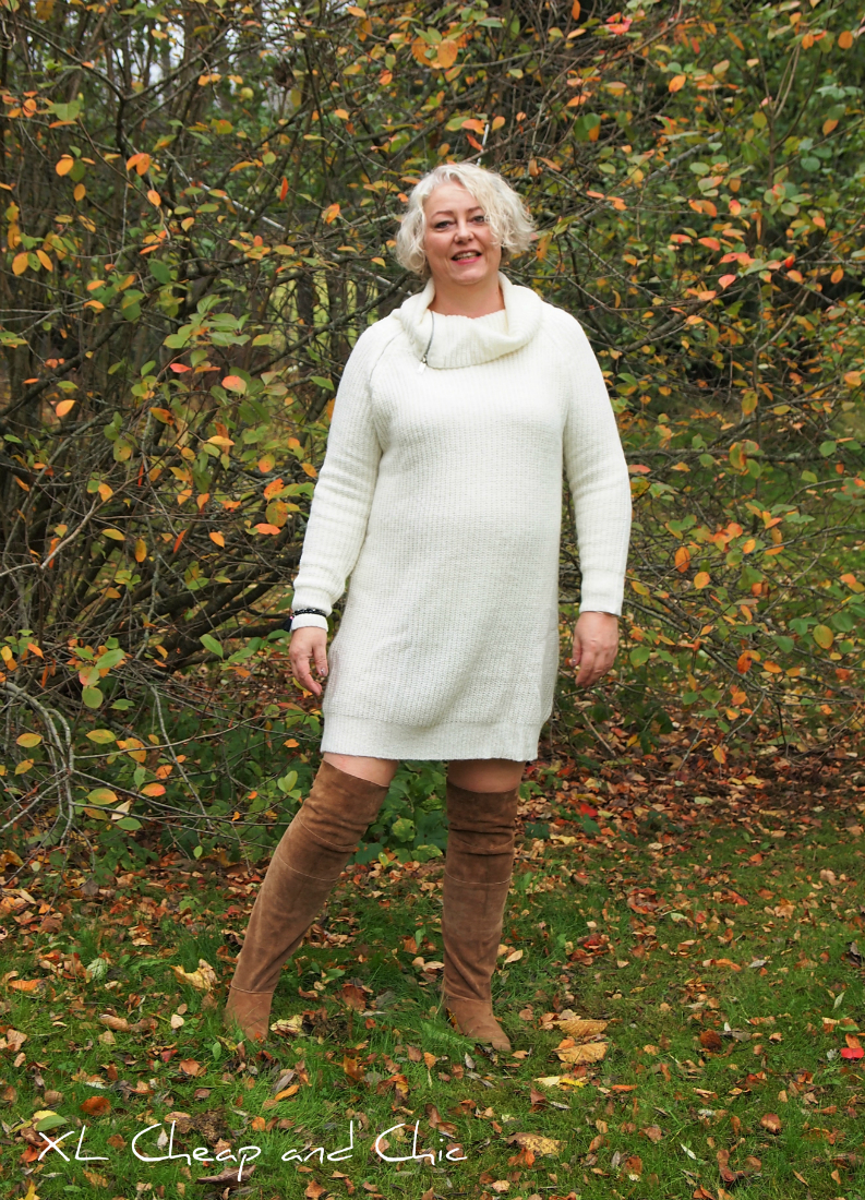 Ylipolvensaappaat ja neulemekko - Over the knee boots and sweater dress. 3084f03110