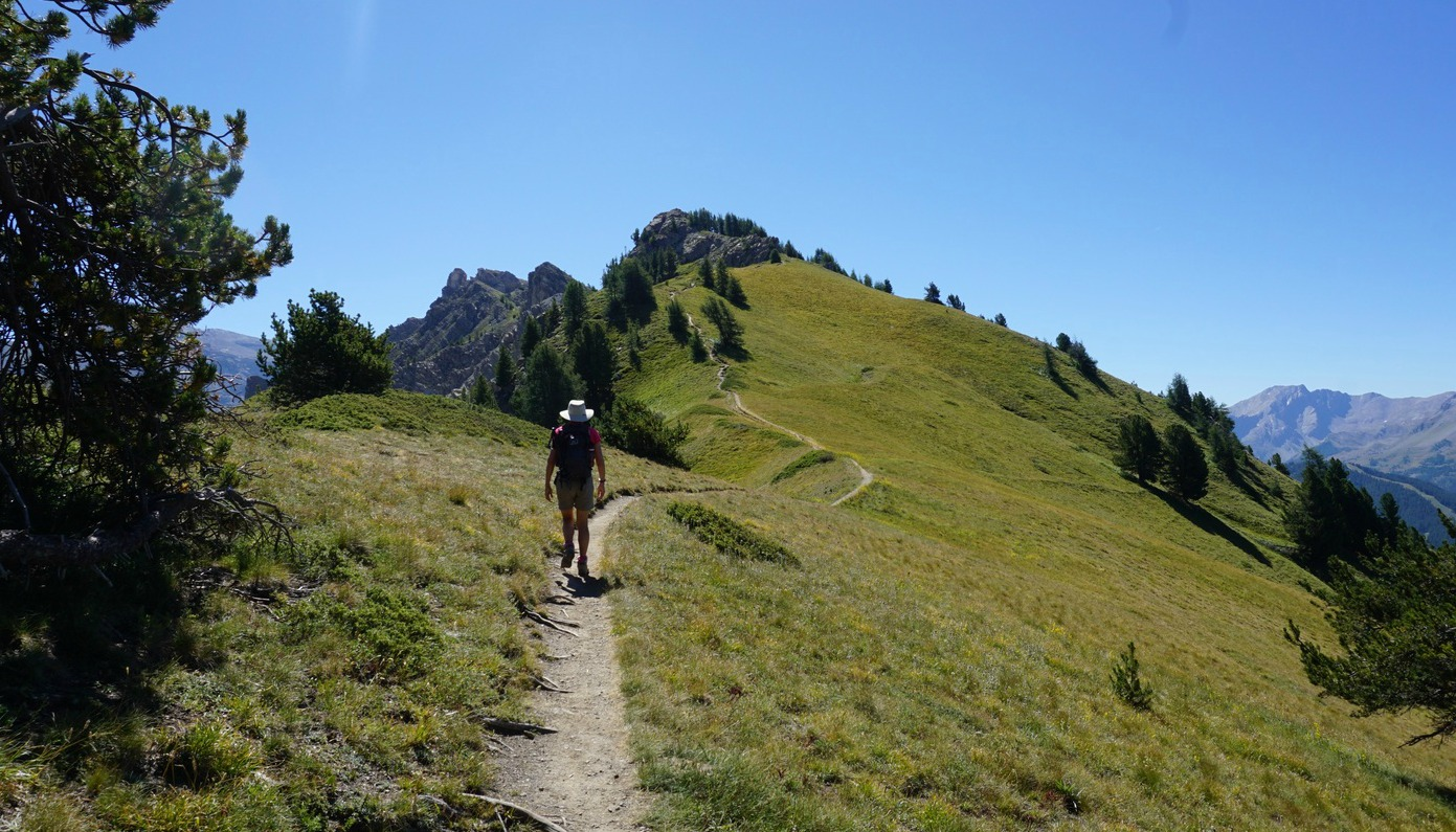 Trail following northern section of Crête de Vars
