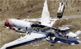 Inilah Alasan Ponsel Tidak Boleh Digunakan di Pesawat dan Pom Bensin