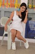 neha deshpande new glam pics-thumbnail-8