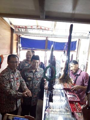 Lapak Pedagang Benpas di Relokasi Sementara Diresmikan Walikota Mojokerto