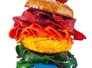 Terlajak Kreatif Jadinya. Burger Berwarna-Warni Jadi Trend Sampaikan Sayang Nak Makan.