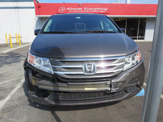 Honda Odyssey with collision damage
