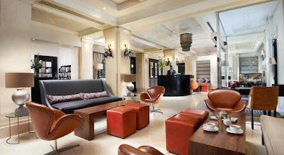 inside the London Bridge hotel