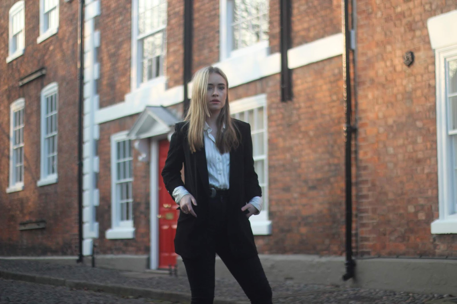 UK blogger Lucy Love styles her perfect smart casual outfit