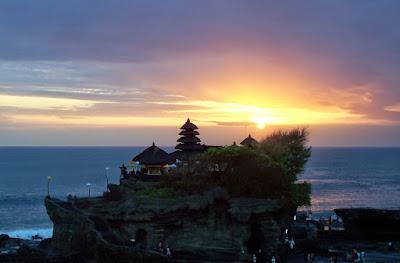 sunset-pura-tanah-lot-paket-wisata-bali-terbaru