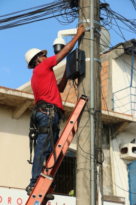 PREFEITURA DE MANACAPURU INVESTE NA INSTALAÇÃO DE CAMÊRAS DE MONITORAMENTO COM SINAL DE INTERNET WIFI NA ZONA RURAL