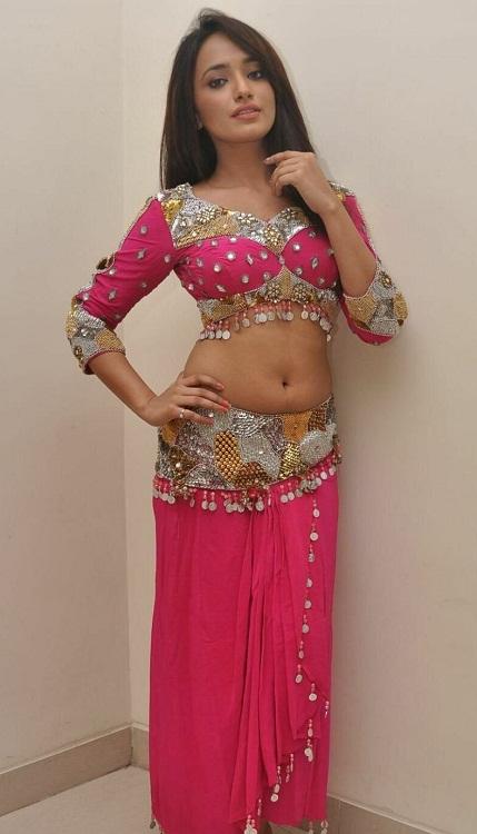 Actress Jiya