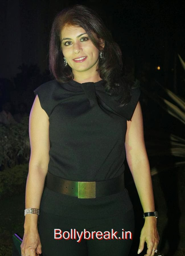 Seema Malhotra, Hot Babes at Society Young Achievers Awards 2013