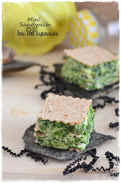 Mini sanwich de brie con espinacas