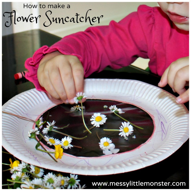 How to make a flower suncatcher.  A simple nature craft using real flowers.  A perfect summer or spring activity for toddlers and preschoolers