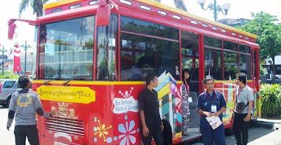 Ngabuburit Keliling Surabaya