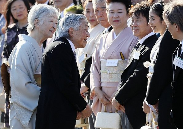 Crown Prince Naruhito, Crown Princess Masako, Prince Akishino, Princess Kiko, Princesses Mako, Aiko and Kako