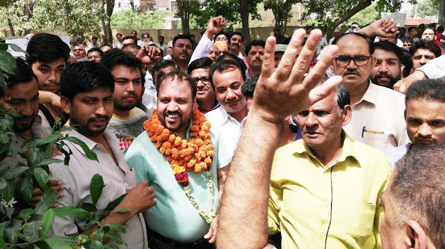 Former minister son Munesh Sharma arrested, court bail granted, supporters wave of happiness