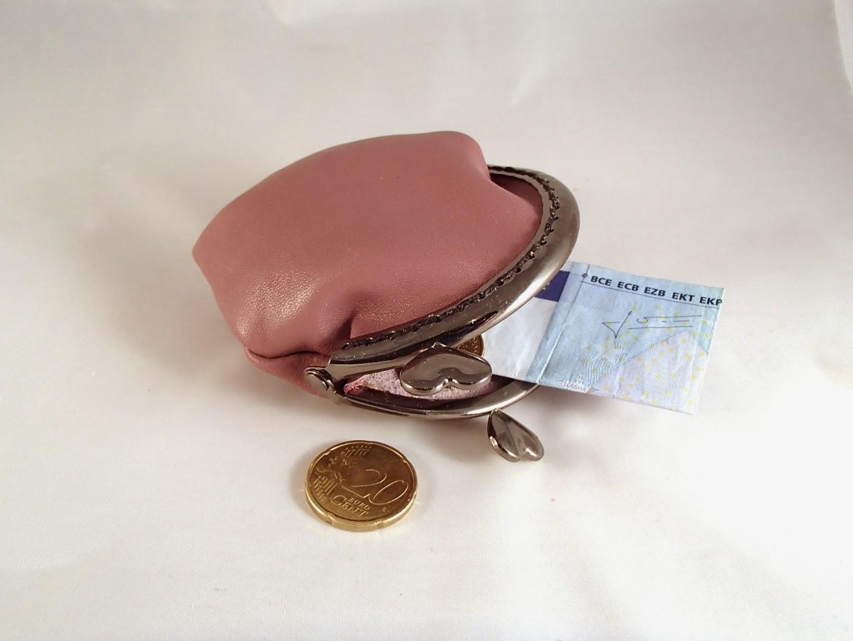 Vue avec des pièces du porte monnaie style rétro