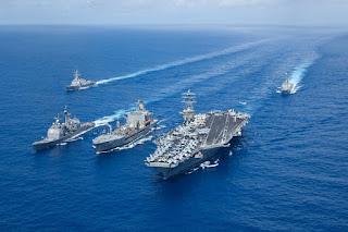 USS Nimitz dan Pengawalnya