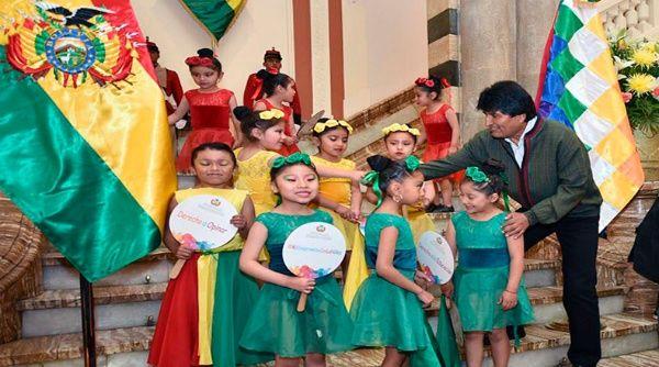 Bolivia decreta leyes para la protección integral de los niños
