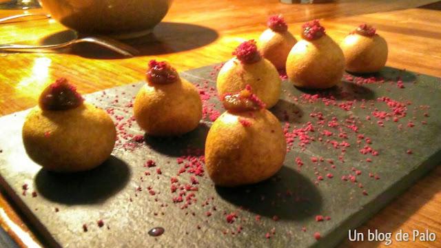 Buñuelos de foie en Casas Elena