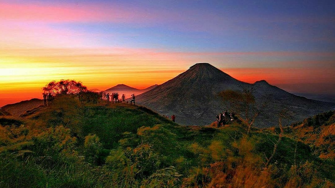 9 gunung di jawa tengah ini jadi favorit pendaki di indonesia ideapers rh ideapers com gunung di jawa tengah yang masih aktif gunung di jawa tengah untuk pendakian