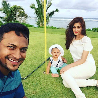 Shakib Al Hasan With His Wife Umme Ahmed Shishir And Daughter Alayna Hasan Aubrey