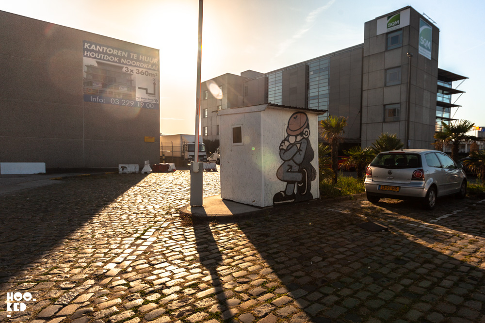 Street Art mural in Antwerp by artist Muretz.