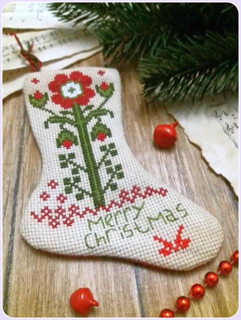 Blackbird Designed от Barb Adams, Tree Stockings for December, Merry December.